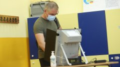Росица Матева допълва, че по този начин отчитането на изборните резултати става бързо и лесно