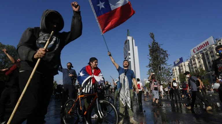 Президентът Пинера обяви пакет от социални мерки, но това не успокои демонстрантите