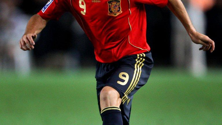 """Диего Капел Испанецът е едва на 29 години и има още доста футбол пред себе си, като някога бе считан за едно от най-талантливите крила в Европа. След ранния си пик в Севиля обаче, той бележи постоянен спад в играта си и дори бе освободен от белгийския Андерлехт след 12 месеца в клуба. Понастоящем търси място, където да възроди кариерата си, а няколко месеца на """"Камп Ноу"""" биха му послужили като същински трамплин."""