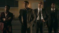 Режисьорският дебют на Реджина Кинг балансира между темите за расизма и общочовешките проблеми, които сценарият разглежда.