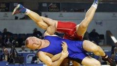 Дубов беше близо до медала, но съперникът му успя да го тушира около минута преди края