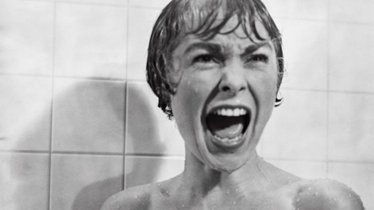 """Психо (1960)   Царят на киномистериите, маестрото на трилъра на голям екран – Алфред Хичкок, снима едно от най-иконичните си произведения """"Психо"""" в момент, когато нито едно студио не иска да го финансира."""