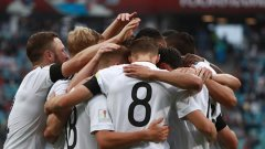 Германия е в Русия без големите си звезди, а треньорският щаб дава шанс за изява на млади футболисти.