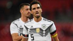 Хумелс не е доволен от начина, по който в Германия се отнасят със световните шампиони от 2014 г.