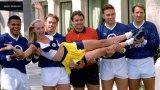 Футболът в Англия през 90-те беше събрал под един покрив непримирими бойци и истински виртуози.