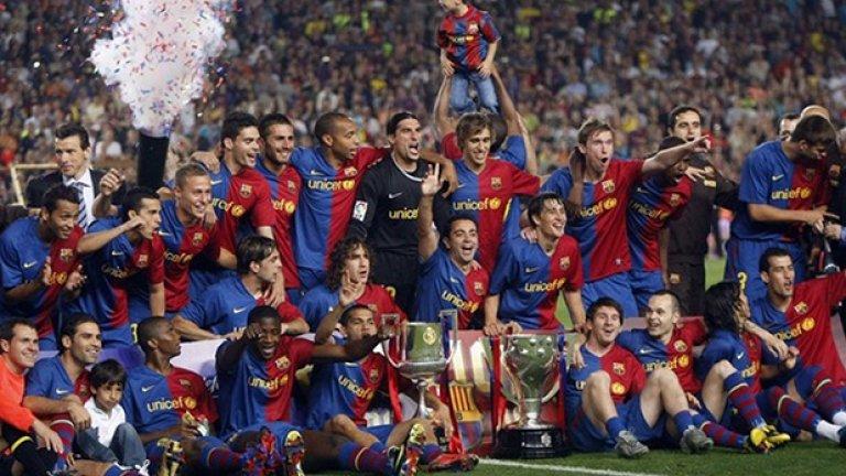 Триумфи, купи, награждавания. Славен сезон - 2008-2009 г. Барселона взе и трите големи трофея, за които се състезаваше, а в края на календарната 2009-а постигна нещо велико, събирайки 6 купи. Добавени бяха Суперкупите на Испания и Европа, както и Световното клубно първенство.