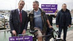 """Фарадж напуска UKIP, за да си """"върне живота"""""""