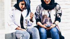 """Новата oналйн """"Мека"""" на модата - Instagram - привлича на поклонение все повече жени-мюсюлманки - особено от Иран."""