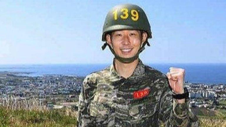 Войникът Сон: Спяхме по 10 човека в една стая. В началото ги беше срам да ме заговорят