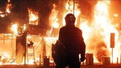 Стотици домове и магазинчета във Великобритания бяха подпалени и ограбени по време на безредиците