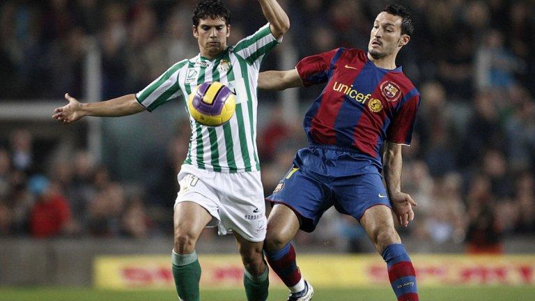 Марк Гонсалес Бързоногият чилиец за последно бе част от тима на Коло-Коло. Атмосферата в Испания не му е непозната, след като преди време носи екипите на Албасете, Реал Сосиедат и Бетис. Повечето футболни фенове обаче го помнят с престоя му в ЦСКА Москва и в Ливърпул. Той е на 33 години и е типично ляво крило, каквото липсва на Валверде.