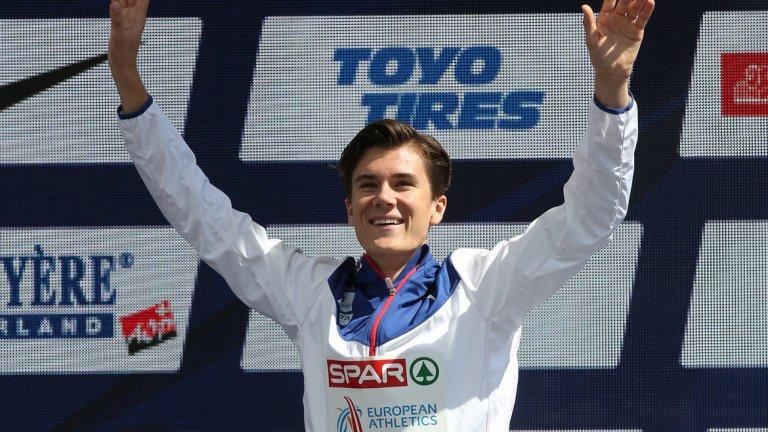 Якоб Ингебрицен (лека атлетика)  През август сътвори една от най-невероятните истории в атлетиката, след като грабна европейски титли в бяганията на 1500 и 5000 метра. Едва 17-годишен, норвежецът стана първи на 5000 м на Европейското по лека атлетика в Берлин само 24 часа след като се превърна в най-младия бегач шампион в историята на европейските първенства. На 1500 м той победи в състезание, в което участваха двамата му по-големи братя Хенрик и Филип. Така семейство Ингебрицен, тренирано от бащата Гйерт, вече има общо четири титли на Европа.