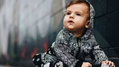 Запознайте се с бебетата инфлуенсъри в маркови дрехи