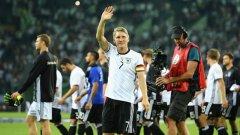 Швайни записа 121 мача за Германия в един период, пълен с успехи и незабравими мачове на Бундестима