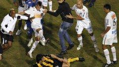 Неймар не пропусна да покаже рогцата си в боя след финала за Копа Либертадорес тази сутрин