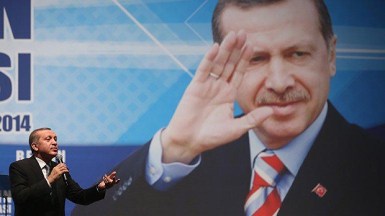 Ердоган беше обявил тези местни избори за референдум за подкрепата към себе си и сега, когато ги спечели, няма кой да се изправи срещу него