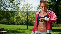 Въпреки популярността на фитнес гривните, има много малко доказателства за това, че подпомагат спортните резултати