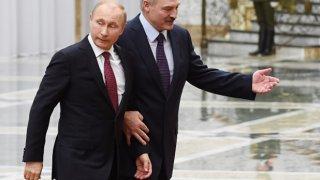 Александър Лукашенко обвини съседна Русия в прилагането на умишлен натиск върху беларуската икономика с цел да я омаломощи и да я доведе до принудително присъединяване