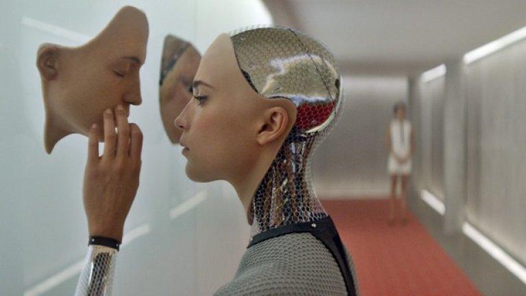 """Ейва, """"Ex Machina: Бог от машина""""   Звездата на младата Алисия Викандер точно е изгряла на холивудския небосклон, когато тя получава възможност да изиграе най-плашещия, зъл и умен киборг, които модерното кино познава. Викандер заслужаваше най-малкото номинация за """"Оскар"""" за ролята си на злата, социопатична и манипулативна Ейва, но се размина с наградите, което някак не беше честно."""