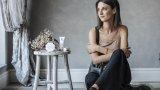 Росина Георгиева познава не само тайните на добрия грим, но и на правилната грижа за кожата.