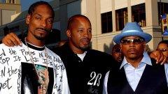 Доброто старо време - Снууп Дог, Нейт Дог (в средата) и Уорън Джи през 2004 г.