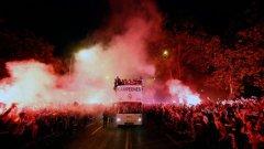 Реал донесе Десетата в Мадрид около 3 ч след полунощ и даде нов старт на празненствата на площада Сибелес.