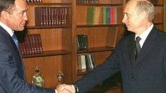 Лесин стои в основата на създаването на руския пропаганден канал RT (Russia Today), но по-късно изпада в немилост пред властта. Той беше открит мъртъв при мистериозни обстоятелства в хотелската си стая във Вашингтон миналия ноември със следи от насилствени рани по главата.
