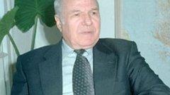 Той беше вицепрезидент в периода 1996-2002 г.