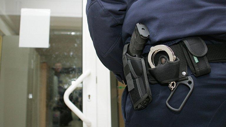 Пред Канал 3 говорителят на МВР Ваня Вълкова заяви само, че антимафиотите са търсели акцизни стоки, а насилие над задържаните не е имало