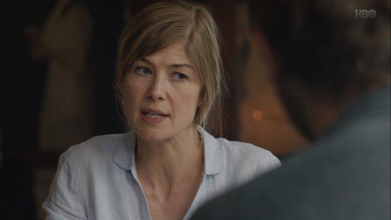 """State of the Union (2019)    Сюжетът на сериала проследява Луиз (Пайк) и Том, които се срещат в кръчмата непосредствено преди седмичната си семейна брачна терапия. Всеки епизод разказва за това как протича животът им, какво ги обединява и какво започва да ги разделя. За ролята си в State of the Union Пайк печели награда """"Еми"""" за най-добра актриса в драматичен сериал."""