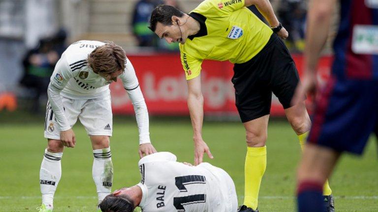 """2. Слабата форма на почти всички играчи Лука Модрич е спряган за един от претендентите за """"Златната топка"""", но втората половина на 2018-а е плачевна за лидера на Хърватия. Серхио Рамос и Рафаел Варан правят непростими грешки, Бейл и Бензема не вкарват достатъчно, треньорските решения са предвидими."""