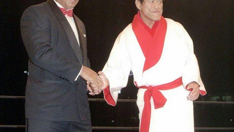 И въпреки че по-късно двамата с Иноки стават големи приятели, шампионът плаща огромна цена в резултат на странната схватка в Токио.  След нея той е с разкъсани кръвоносни съдове и безброй съсиреци в краката.