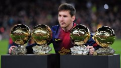 """Меси с четирите си """"Златни топки"""". Златното момче се превърна от рискова инвестиция преди 13 години във футболно чудо и донесе на Барса куп трофеи и успехи. За себе си Лео спечели слава и всичко, каквото един футболист може да спечели."""