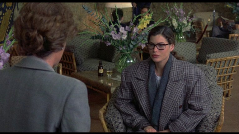 """""""Девет седмици и половина"""", (9.5 Weeks, 1986)   Несъмнено едно от топ заглавията в жанра на еротиката и романса. Разказва историята на героите на Мики Рурк и Ким Бейсингър, които се запознават в бар. Следва предложение от негова страна за участие в еротична връзка. Оказва се, че мъжът има мания за контрол, на която героинята на Бейсингър се поддава. В последствие се налага да направи избор дали да съхрани достойнството си или да се подчини безусловно. Филм не просто за сексуалната свобода, а за сексуалната отговорност. А пък и кой не харесва сцената, в която Мики Рурк връзва очите на Ким Бейсингър или онази, в която  й дава различни храни и атмосферата се нажежава до червено?!"""