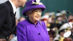 Един тийнейджър едва не убива английската кралица