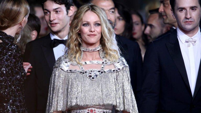 """Ванеса е носителка на рицарски орденДа, през 2007 г. Паради получава орден от френското правителство за заслуги към изкуството и литературата и е обявена за """"Рицар на изкуствата и словото"""". За повечето французи и до днес Ванеса е национално богатство, което доказва стила, елегантността и изискаността на французойките."""
