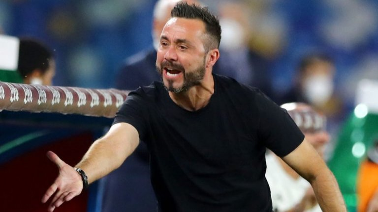 Наставникът на Сасуоло Роберто Де Зерби негодува след поредния отменен гол във вратата на Наполи