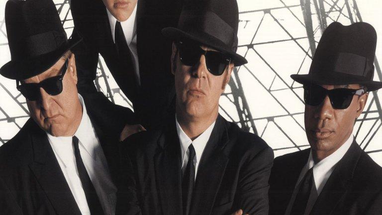 """""""Блус Брадърс 2000"""" (1998 г.) Продължение на: """"Блус Брадърс"""" (1980 г.) Години разлика: 18  Срамота е колко много хора не помнят или изобщо не са гледали класиката на режисьора Джон Ландис. В оригинала Дан Акройд и Джон Белуши са в ролята на изпълнители на ритъм енд блус, които са забъркани в множество неприятности. Години по-късно се появи и продължение, този път без починаляи Белуши, което е далеч под нивото на първия филм."""
