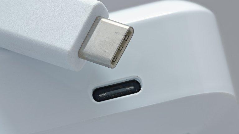 USB-C кабел и порт