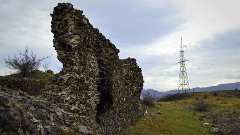 Активно използвана през Средновековието, тази крепост води началото си от Античността. Построена е от тракийското племе Койлалети, обитавало околните земи.