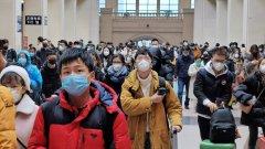 Починалият е 44-годишен китаец, който е бил заразен преди да пристигне във Филипините
