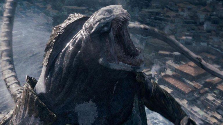 """Кракен е митично морско чудовище, нещо средно между сепия и октопод, но с огромни зъби. Подвизава се в Атлантическия океан и все още се разказват истории за мистериозно потънали кораби, за които се счита, че са били нападнати от него. Началото на легендите за чудовището може да бъде проследено до Норвегия през XII век, когато се говори, че в морето живее чудовище толкова голямо, че може да бъде сбъркано с остров. За първи път Кракен се появява в ням филм от 1906 г., а последно го видяхме в """"Карибски пирати: Сандъкът на мъртвеца"""", където  Кийра Найтли остави капитан Джак Спароу на милостта на чудовището. През 2010 г. видяхме Кракен и като играчка в ръцете на олимпийските богове във филма """"Сблъсъкът на титаните""""."""