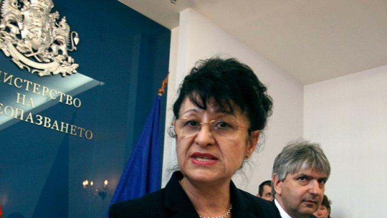 Здравната министърка Анна-Мария Борисова съобщи, че с нетърпение чака да стане националната здравна карта на България, за да се направи разпределението на болниците...
