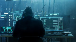 Групата, прехвърляла откраднатите от хакери пари през множество банкови сметки, беше разбита при акция на Европол и ФБР
