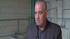В средата на март кметът на Ракитово Любомир Петков получил известие от Арбитражен съд, че Общината трябва да плати почти 800 000 лв. на фирмата КИССИК Консулт - обезщетение по два договора за ремонт на банята, които подписала бившата кметица.