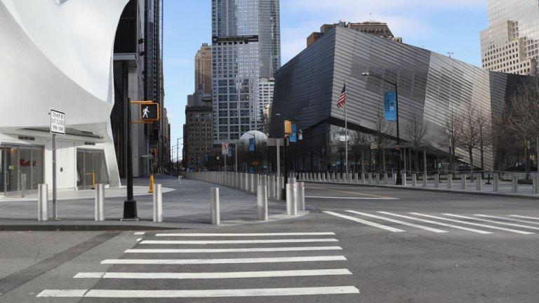 """Празен остана и """"Гринуич Вилидж"""" в претъпкания Манхатън, снимка от 2 април."""