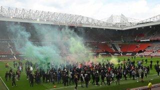 Най-важното след отложеното дерби Юнайтед - Ливърпул