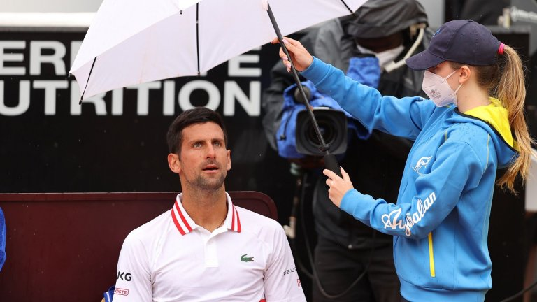 Джокович изригна срещу съдията, който го сбърка с Федерер