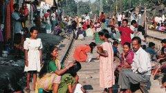 Скоро Индия (с население от 1.2 млрд. души), в която се шири ужасяваща бедност, ще изпревари Китай (сега с 1.3 млрд. жители) като страната с най-голямо население в света