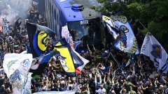 Интер вдигна титлата с паметен разгром, а Милано полудя (видео)